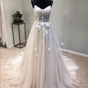 Spaghetti Strap Lace A-Line Wedding Gown